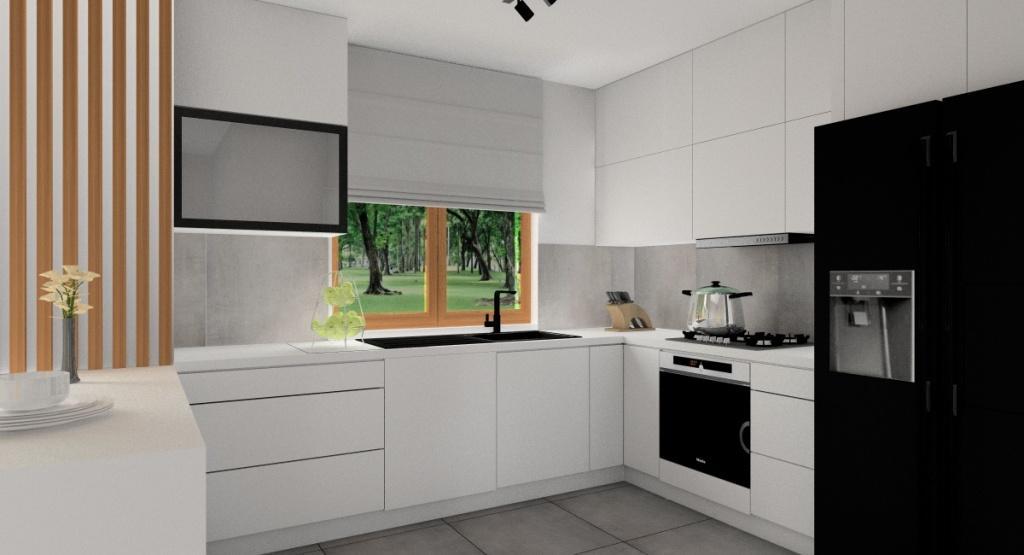 Aranżacja kuchni: mała kuchnia, kuchnia z jednym oknem, wsypa, płytki szare, blaty białe, szafki kuchenne do sufitu białe
