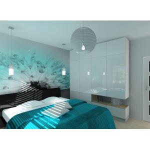 Zabudowa szafy w nowoczesnej sypialni, fototapeta turkus, narzuta turkusowa
